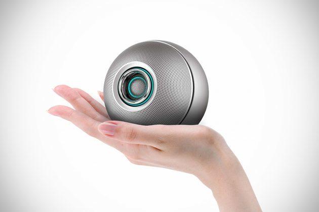Luna Futuristic Wireless Speaker by Crazybaby