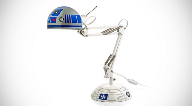 R2-D2 Desk Lamp Shed Some Light So You Won't Be On The Dark Side