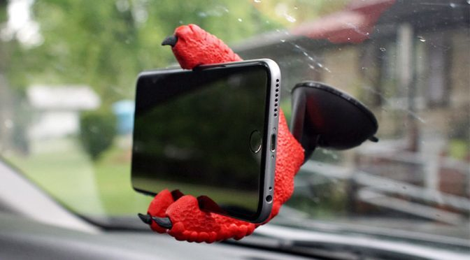 Why Go For Regular Smartphone Holder When A Reptile Can Do The Job?