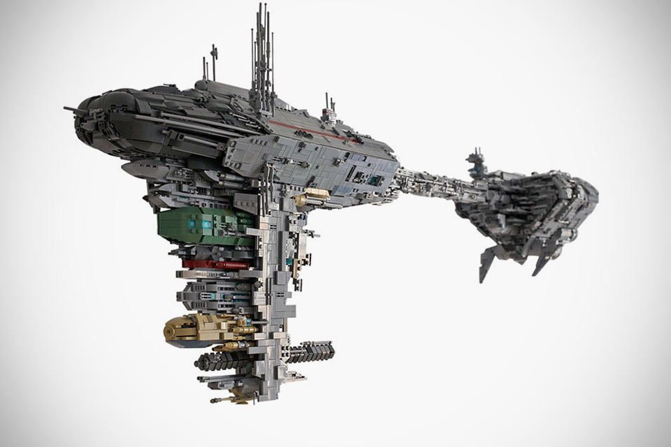 lego enthusiast built a star wars nebulon b with incredible details mikeshouts. Black Bedroom Furniture Sets. Home Design Ideas