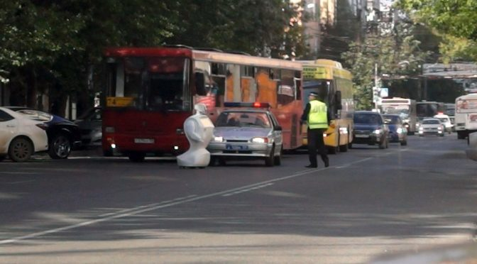 Robot Escapes Testing Facility, Went On The Run On The Streets Of Russia