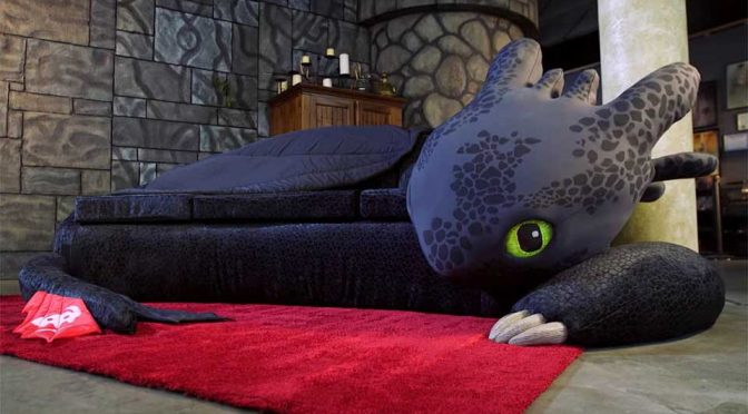 Custom Toothless Couch Is Every Dragon Fanatics Dream