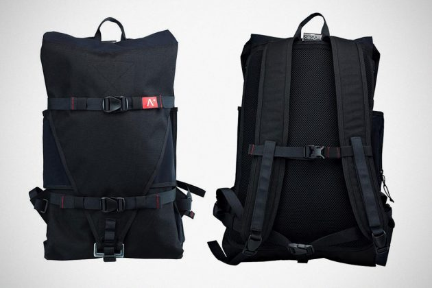 NOMAD Folding Hammock Is Also A Backpack